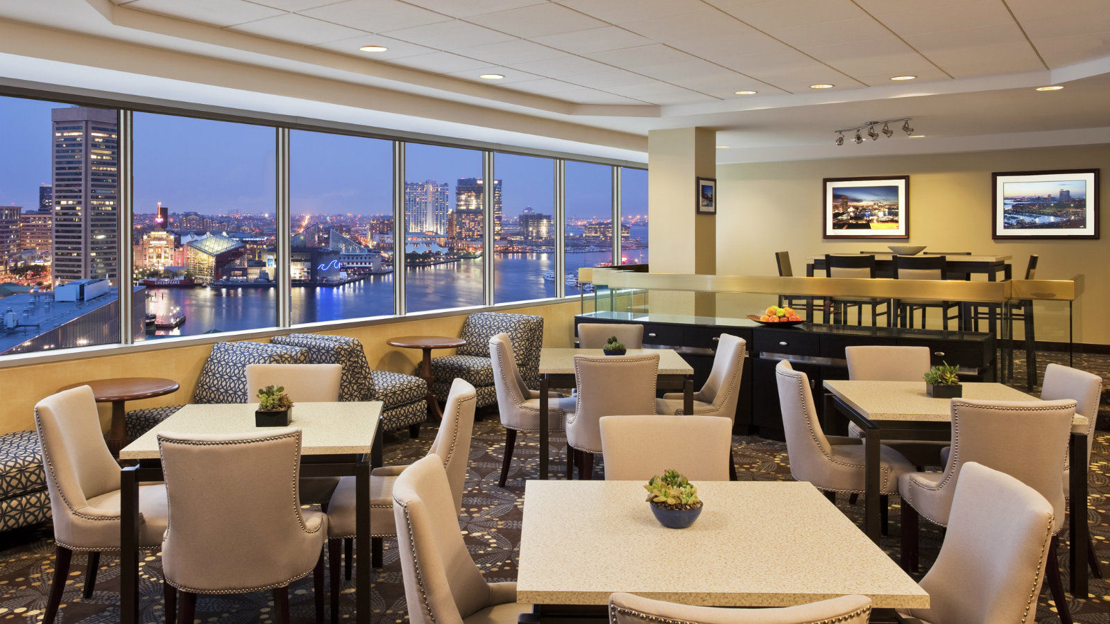 Sheraton Inner Harbor - Club Lounge